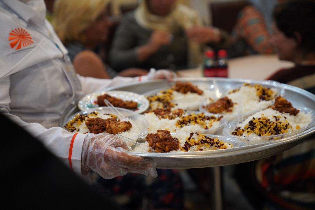 هزینه یک وعده غذای گرم برای زنانِ بیخانمان چقدر است؟